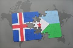 déconcertez avec le drapeau national de l'Islande et du Djibouti sur une carte du monde Photos libres de droits
