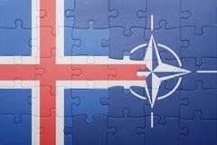 Déconcertez avec le drapeau national de l'Islande et de l'OTAN Photographie stock