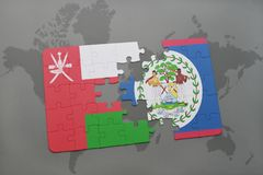 déconcertez avec le drapeau national de l'Oman et de Belize sur un fond de carte du monde Photographie stock