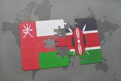 déconcertez avec le drapeau national de l'Oman et du Kenya sur un fond de carte du monde Photos libres de droits