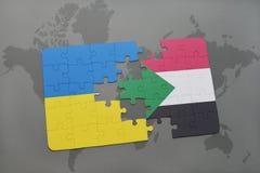 déconcertez avec le drapeau national de l'Ukraine et du Soudan sur une carte du monde Image stock