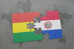 déconcertez avec le drapeau national de la Bolivie et du Paraguay sur un fond de carte du monde Photos stock
