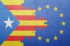 Déconcertez avec le drapeau national de la Catalogne et de l'Union européenne Images libres de droits