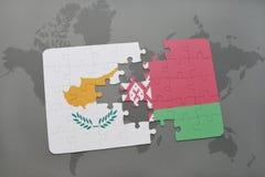 déconcertez avec le drapeau national de la Chypre et de la Biélorussie sur un fond de carte du monde Photo libre de droits
