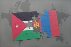 déconcertez avec le drapeau national de la Jordanie et de la Mongolie sur un fond de carte du monde Photos libres de droits