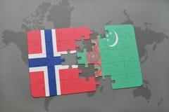déconcertez avec le drapeau national de la Norvège et du Turkménistan sur une carte du monde Photo stock