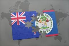 déconcertez avec le drapeau national de la Nouvelle Zélande et de Belize sur un fond de carte du monde Image stock