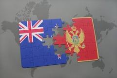 déconcertez avec le drapeau national de la Nouvelle Zélande et du Monténégro sur un fond de carte du monde Photos stock