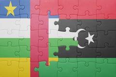 déconcertez avec le drapeau national de la république centrafricaine et de la Libye Photos stock