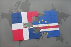 déconcertez avec le drapeau national de la République Dominicaine et du Cap Vert sur une carte du monde illustration libre de droits