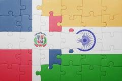 Déconcertez avec le drapeau national de la République Dominicaine et de l'Inde Photos libres de droits