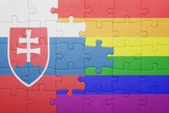 Déconcertez avec le drapeau national de la Slovaquie et du drapeau gai Photographie stock