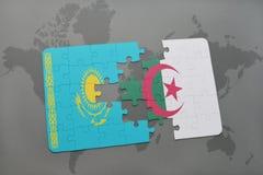 déconcertez avec le drapeau national du Kazakhstan et de l'Algérie sur une carte du monde Images libres de droits