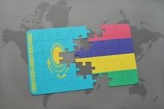 déconcertez avec le drapeau national du Kazakhstan et des îles Maurice sur une carte du monde Photo stock