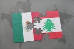 déconcertez avec le drapeau national du Mexique et du Liban sur un fond de carte du monde Images stock