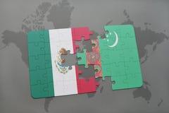 déconcertez avec le drapeau national du Mexique et du Turkménistan sur un fond de carte du monde Image stock