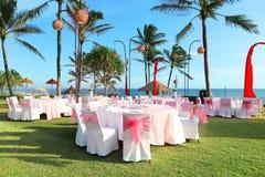 Décoré épousant la table à la station balnéaire de réception Images stock