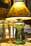 Décor à la maison - lampe antique Images libres de droits