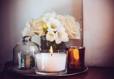 Décor à la maison sur une table Images libres de droits