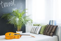 Décor à la mode de chambre à coucher Image stock
