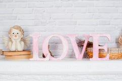 Décor dans le studio dans le style du romance et de l'amour Images stock