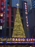 Décor de Noël à la ville par radio à New York Photographie stock libre de droits