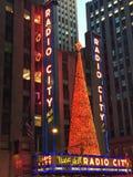 Décor de Noël à la ville par radio à New York Photo libre de droits