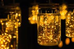 Décor léger de lampe dans le jour de Noël sur le fond de bokeh Photographie stock