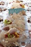 Décor orienté de plage pour un arrangement de table Images libres de droits