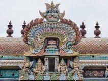 Décoration étendue d'arc sur Gopuram chez Shrirangam Image libre de droits