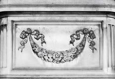 Décoration architectonique avec les éléments floraux photographie stock