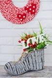 Décoration avec des fleurs et le mot d'amour Image stock
