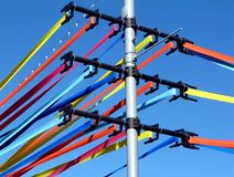 Décoration colorée de ruban sur Polonais dans la place publique Photo libre de droits