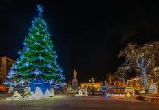 Décoration d'éclairage de nouvelle année et de Noël de la ville La Russie, Image stock