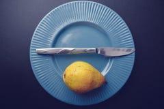 Décoration d'électrodéposition de vintage - poire jaune Photo stock