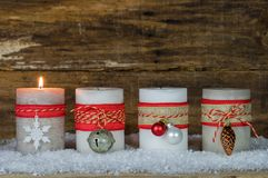 Décoration d'avènement avec des bougies de Noël Photographie stock