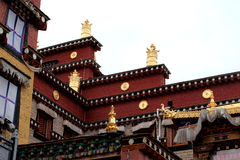 Décoration d'or de temple de Songzanlin Bouddha Photographie stock