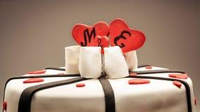 Décoration d'un gâteau d'anniversaire Photo stock