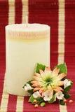 Décoration de bougie et de fleur Photographie stock libre de droits