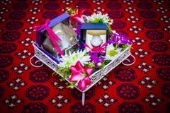 Décoration de cadeau de mariage photos stock