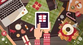 Décoration de cadeau de Noël de Tablette de téléphone d'ordinateur portable de concept de nouvelle année d'instrument de l'électr Photographie stock libre de droits