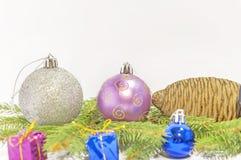 Décoration de carte postale de salutation de Joyeux Noël et de bonne année Photos stock