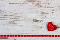 Décoration de coeur avec le ruban pour le jour de valentines Photo stock