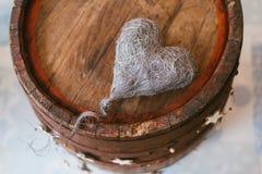 Décoration de cru avec un coeur image libre de droits