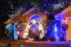 Décoration de Halloween dans une maison Photographie stock libre de droits