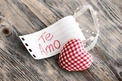 Décoration de jour du ` s de Valentine avec le texte espagnol Image libre de droits