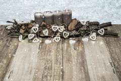 Décoration de Joyeux Noël brûlant l'espace de chute de neige gris de message textuel de lampe de coeur de neige de bougie Image libre de droits