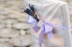 Décoration de mariage des chaises photo stock