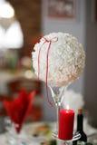 Décoration de mariage Le Tableau a placé pour un dîner ou une réception romantique image stock