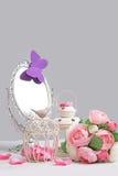 Décoration de miroir de cage, de lanterne et d'argent Photo stock